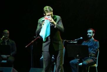 Sami Yusuf: Azerbaycan Bayrağı Benim İçin En Güzel Hediye Olmuş