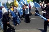 İran'da Doğu Türkistan İçin Yürüdüler, Üç Yıl Hapis Cezası Aldılar!