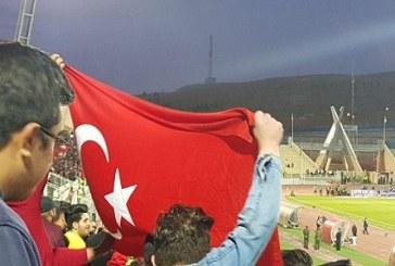 Traktör Maçında Azerbaycan ve Türkiye Bayrakları